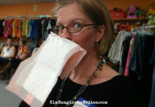 Postnatal pad as tissue by @TheKimBongiorno of @LetMeStart at #PeeAlone signing in VT